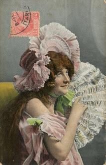 wizerunek kobiety na starej pocztówce - kolekcja