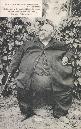 Najcięższy człowiek w Niemczech  - jedna z wielu kartek, które można było wysłać do znajomych z pobytu w Kellenhusen (fot. ansichtskartenversand.com )
