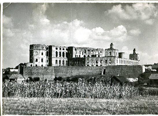 Ujazd - ruiny zamku, fot. P.Pierściński, ok. 1966, PTTK,