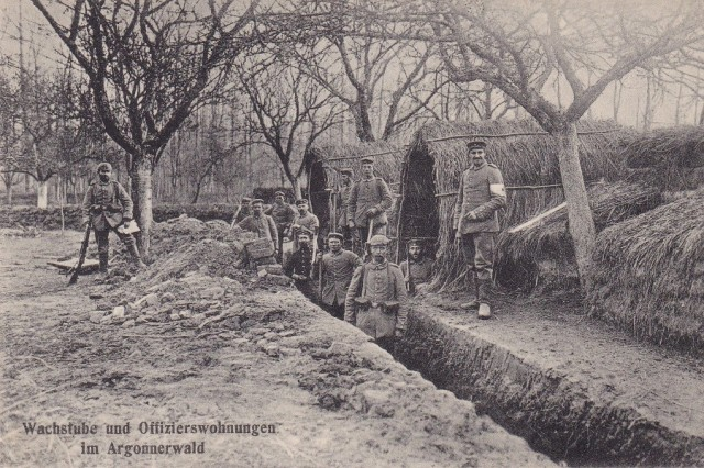 Wartownia i miejsce zamieszkania oficerów, Las Argoński, pocztówka z obiegu 1915