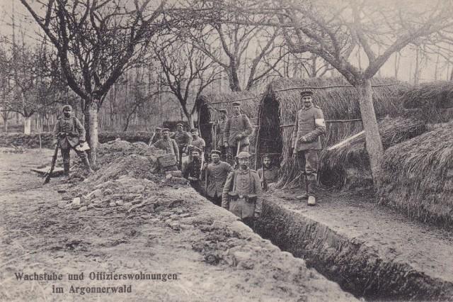 Wartownia i miejsce zamieszkania oficerów, Las Argoński, pocztówka z obiegu 1915